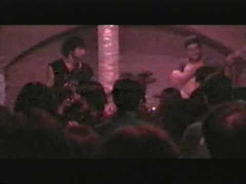 acrostic live fenix metal bar, valparaiso,chile ,27-08-2005.