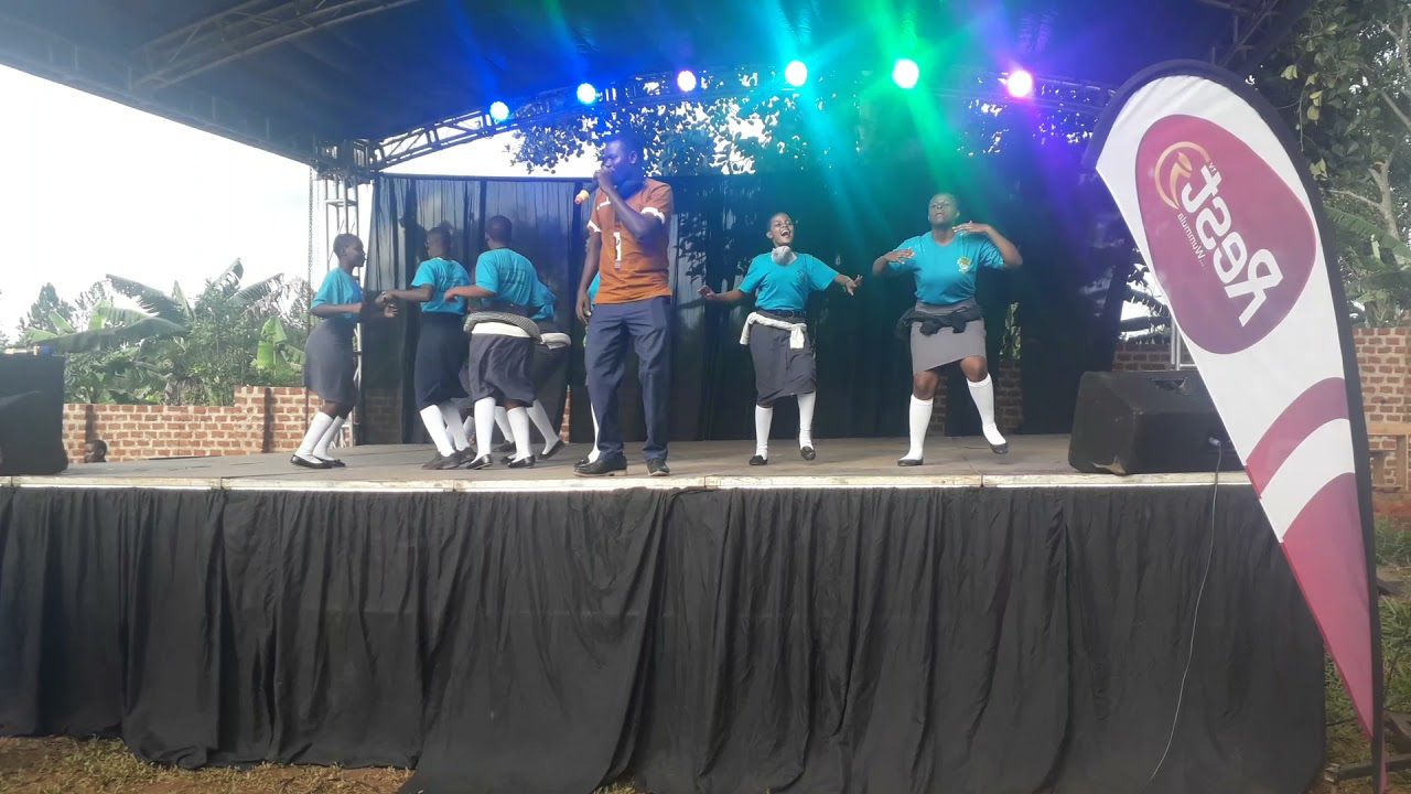 Download Senono Alex akyamudde abana ba Midland Parents Academy mukugulawo campass ye Mpigi....#McHopeLive