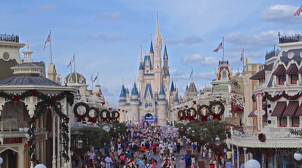 magic kingdom 2014 christmas and holiday decorations at walt disney world youtube