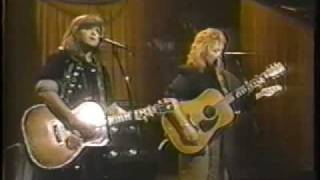 Indigo Girls - Watershed on The Tonight Show 1991