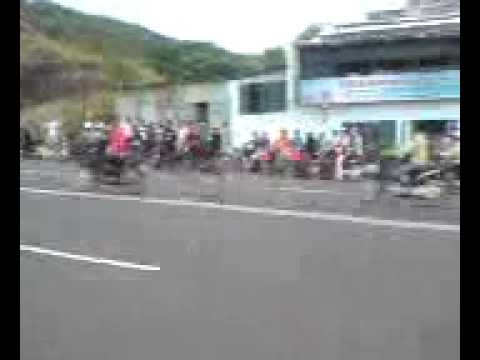 đua xe Vũng Tàu 2/9/2009( quay bằng đt lởm mong mọi người đừng chê)