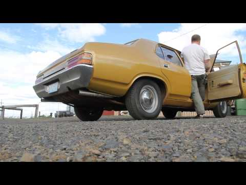 Ford Falcon 351 twin exhaust sound