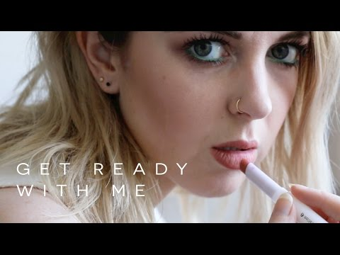 FACE + MAKEUP // A GET READY PRODUCTION feat. Glossier Phase 2 Set | chelsea wears