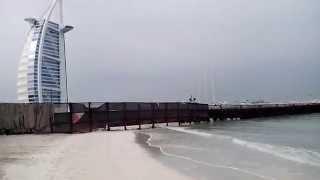 Пляж Дубая Jumeirah Public beach(Пляж в Дубае Jumeirah Public beach возле отеля Парус (Burj Al Arab). Это очень красивое место с белоснежным песком и бирюзов..., 2014-01-19T09:36:16.000Z)