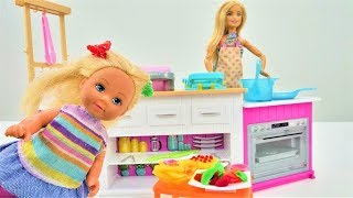 Barbie Baby Doll - Pretend Play Cooking Breakfast for a Barbie Doll. Barbie Videos