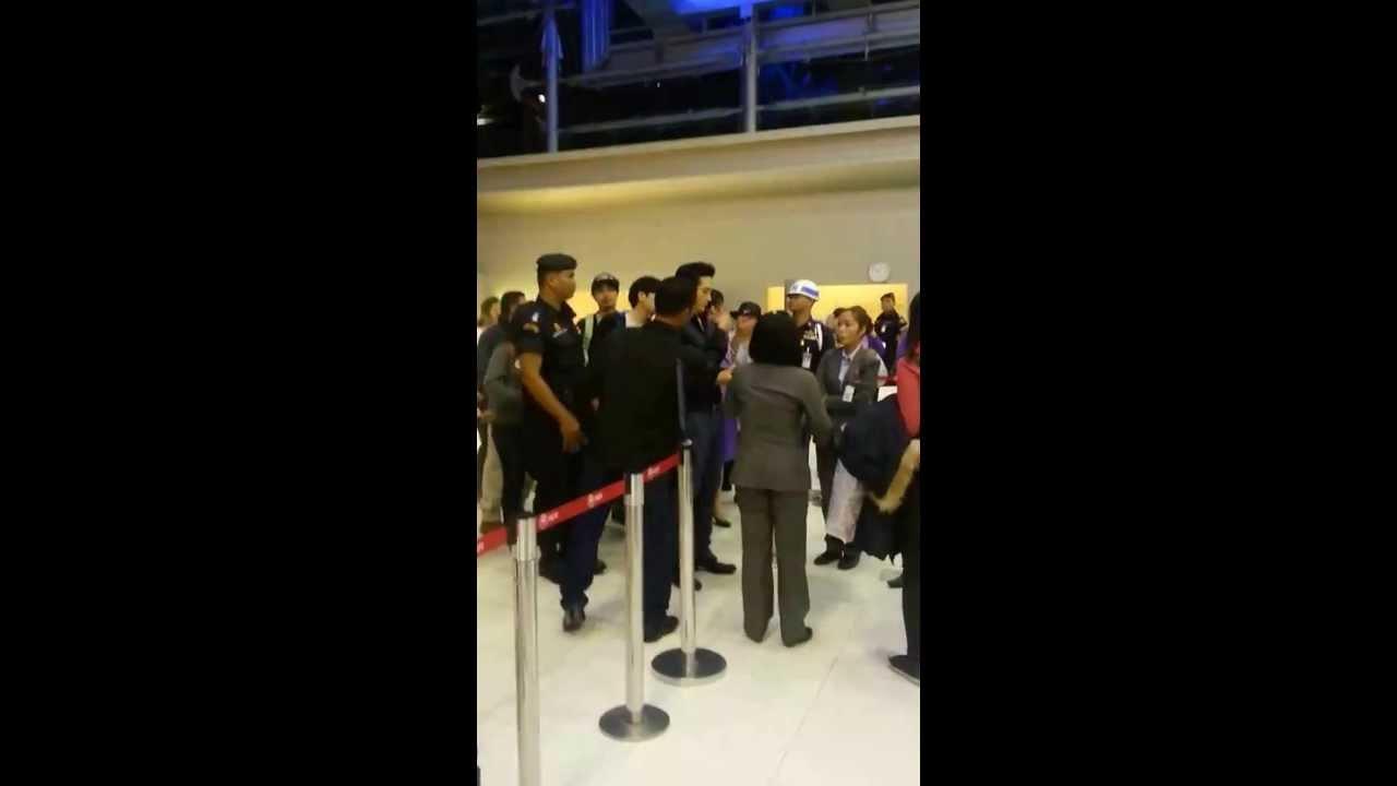 2014.01.26 Song Seung Heon_Bangkok Departure (By TookyYan&NuchWP)