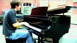 "Tim Halperin - ""Hey Ya"" cover by Outkast"