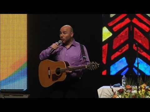 Concierto Conferencia Amor de Padre (Los Angeles, CA) - Yogui Garza