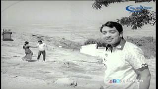 Arunodayam-Engal Veettu Thanga Theril Song