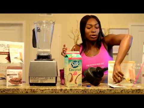 Create A Dutch Chocolate Complete Smoothie With Ashley Nickole