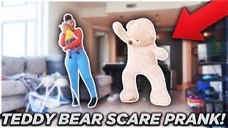GIANT TEDDY BEAR SCARE PRANK ON GIRLFRIEND!!!