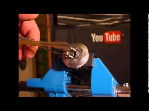 Lock Picking A Peugeot 306 Car Door Lock www.uklocksport.co.uk