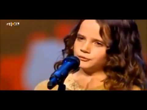 Young girls amazing opera voice shocks all judges!