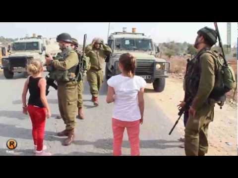 عهد التميمي - طفلة فلسطينية تواجه جنود الاحتلال - النبي صالح 2012