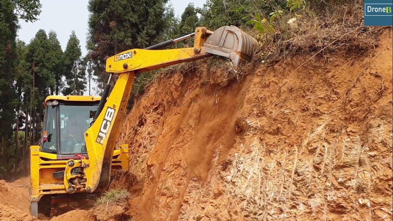 Tough Hillside-Blunt Bucket Teeth-Backhoe Forceful Struggle Cutting Hill