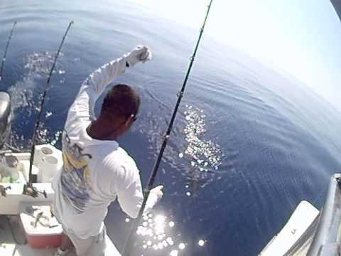 Zihuatanejo Sport Fishing Cap. Victor Hugo