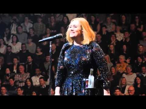 Adele 07.03.2016 - Manchester Arena -Singing And Talking To Fans