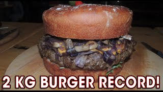 GIANT Eating Challenge RECORD Brooklyn Cafe's 2kg Burger Challenge!!