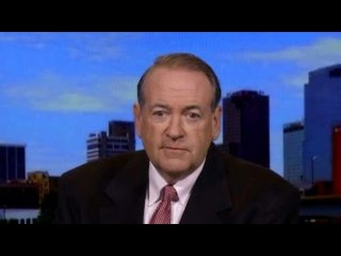 Huckabee: We have a constitutional crisis