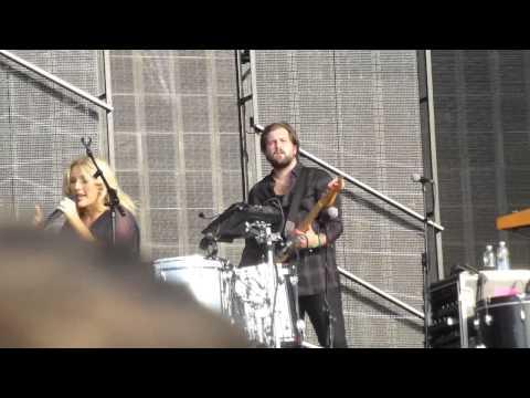 Ellie Goulding - Powerful (Major Lazer Cover) (HD) - Hyde Park - 27.06.15