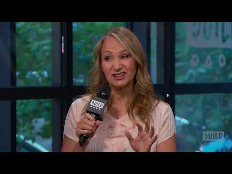 "Joan Osborne Discusses Her Album, ""Songs of Bob Dylan"""
