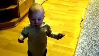 Alex Poikamme ( 1 vuotiaana ) 4 video.