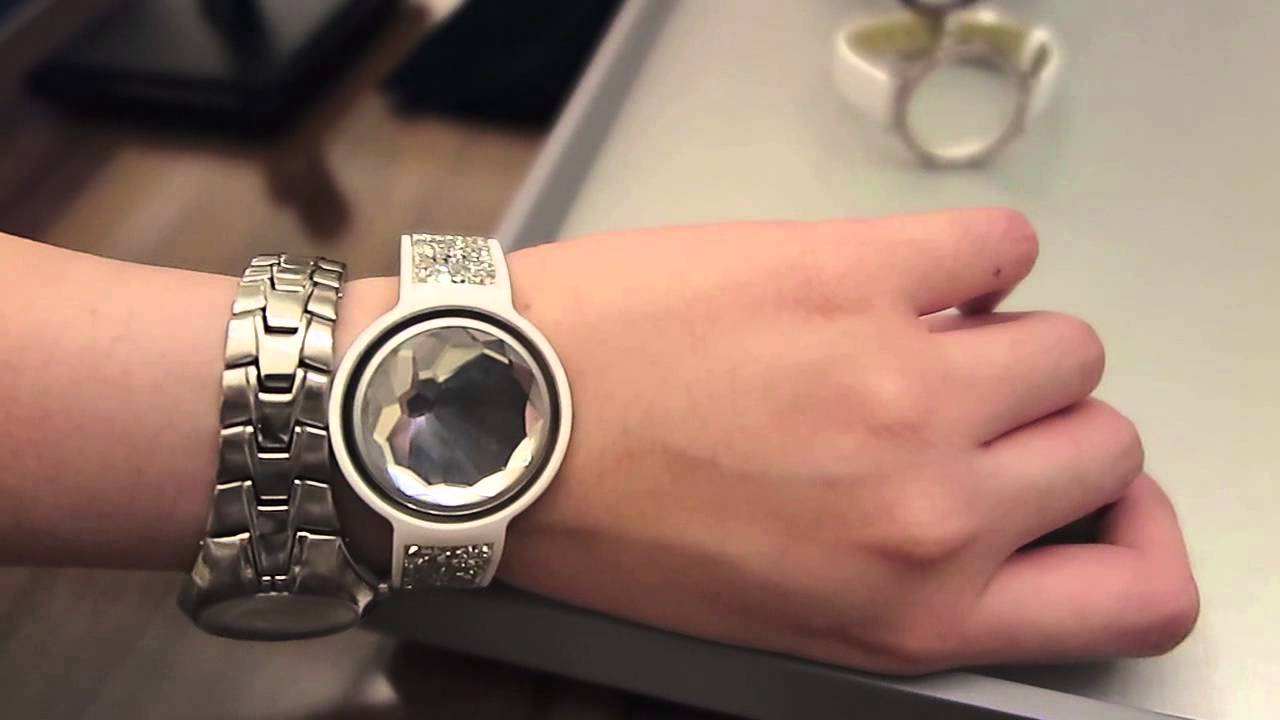misfit and swarovski shine with dazzling new activity tracker youtube. Black Bedroom Furniture Sets. Home Design Ideas