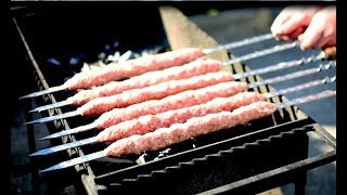 Сочнейший люля-кебаб из говядины на мангале.