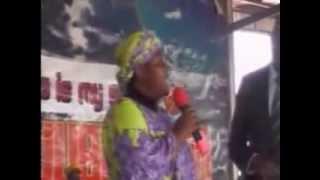 Sis Linda talks with Pastor Kumuyi