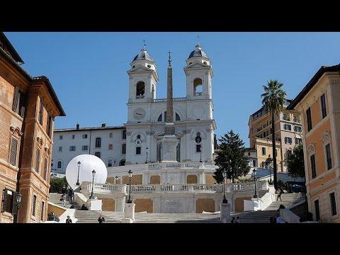 Spanische Treppe in Rom wiedereröffnet