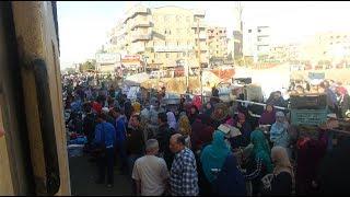 أخبار اليوم | المواطنون على قضبان مزلقان شبين القناطر رغم الكارثة
