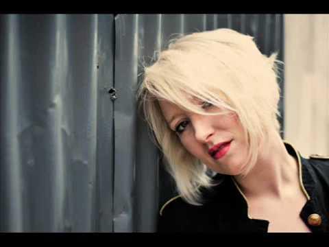 Gwyneth Herbert - Only Love Can Break Your Heart (Leap Year soundtrack)