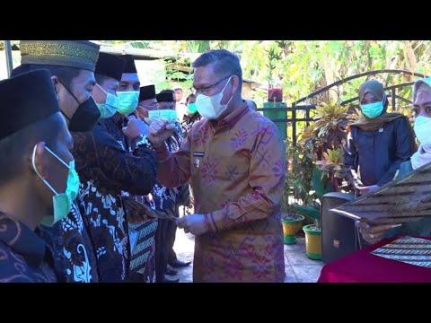 Wali Kota Kendari Hadiri Pengukuhan RT Kelurahan Watulondo