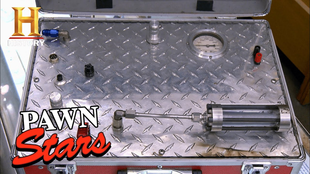 Download Pawn Stars: DIFFICULT NEGOTIATION for a Rare Suitcase Rocket (Season 9)