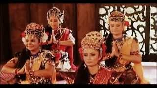 Malay Traditional Dance - Tarian Asyik (Asyik Dance) របាំម៉ាឡេ ระบำหลงรัก