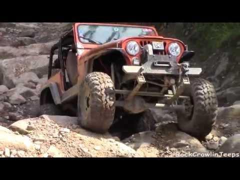 Orange CJ7 is denied on Lower Rock Garden Trail