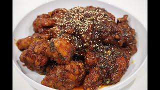 Hello guys. Hari ini, saya akan menunjukkan cara membuat Yangnyeom Chicken (양념 치킨). Yangnyeom Chicken itu adalah hidangan ayam goreng yang ...