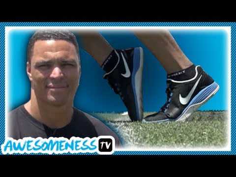 How to Toe Tap in Football with NFL Pro Tony Gonzalez - How To Be Awesome Ep. 11