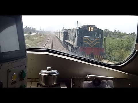 Driver Eye View || Fast Locomotive Ride || High Speed Crossing || Upto 110 KMPH
