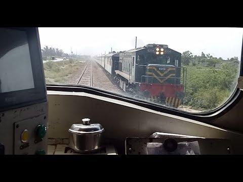 Driver Eye View || Fast Locomotive Ride || High Speed Crossing || Upto 110 KMPH