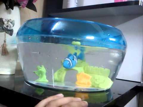 Robo fish in an aquarium youtube for Robo fish tank
