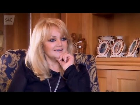 Bonnie Tyler interviewed on Welsh TV (2015)