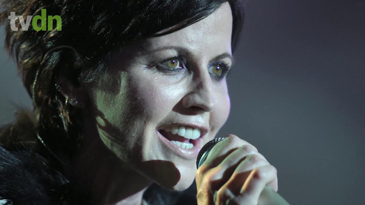 Morre Dolores O'Riordan, vocalista do grupo The Cranberries