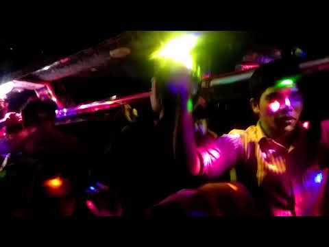 Chammak challo DJ songs (Bus a tour er night dance kochi)