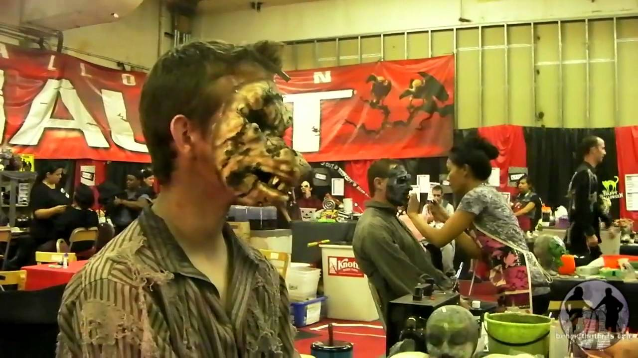 Backstage makeUp at Knott\'s Scary Farm