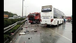 VTC14 | Xe cứu hỏa đối đầu xe khách trên đường cao tốc khiến 1 chiến sĩ tử vong