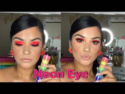 NEON EYE | Myo Makeup | Serena Cardona thumbnail