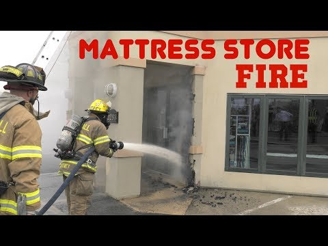 1st ALARM: Arrival to the mattress store, Whitehall, PA