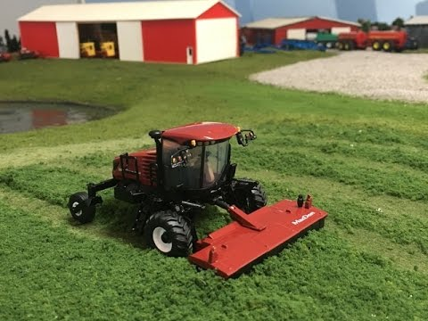 New 1/64 MacDon M1240 Windrower by SpecCast