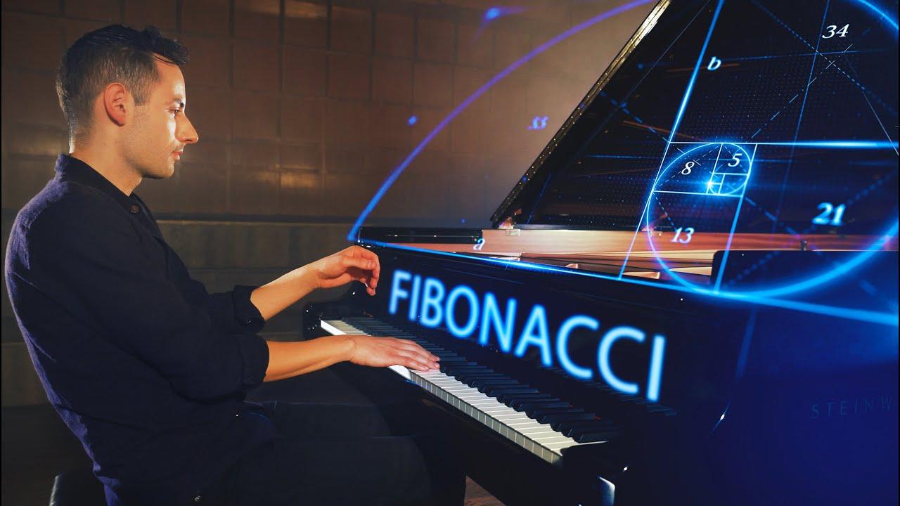הפסנתרן פיטר בנס בביצוע חדש ומעניין | צפו
